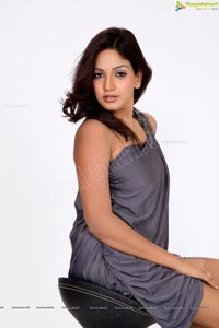 Pavani Reddy Sensuous Photo Session