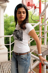 Shraddha Das Hi Resolution New Look