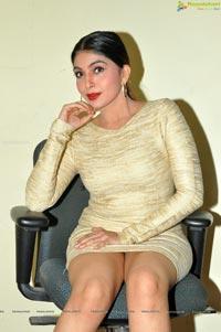 Pooja Roshan