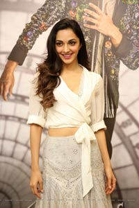 Bollywood Kiara Alia Advani