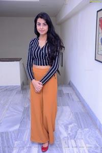 Sasha Singh HD Photos