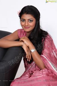 Beautiful Model Rakshitha in Saree