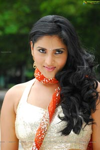 Beautiful Divya Spandana in Kicha