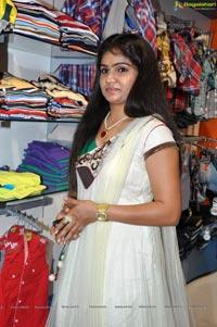 Thelisi Theliyaka Heroine Hasini Photos