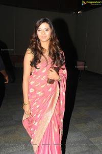 Isha Chawla in Sexy Pink Saree