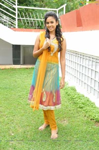Kaali Charan Heroine Photos