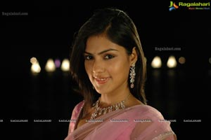 M TV VJ Rhea Chakraborty