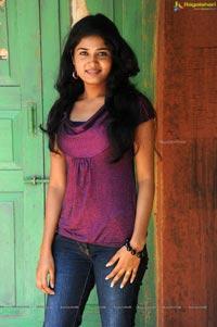 Railway Station Heroine Suneeta