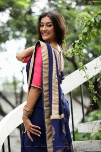 Pooja Jhaveri Half Saree