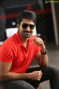 Hero Aadhi Pinisetty