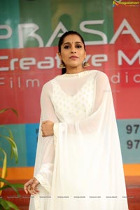 Rashmi Gautam at Anthaku Minchi Title Song Launch