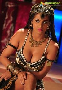 Poonam Pandey Love Is Poison