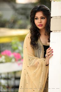 Zaara Khan Ragalahari