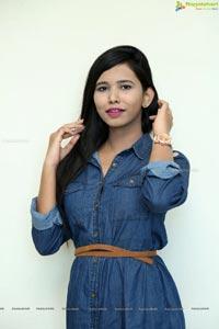 Varsha Telugu Heroine