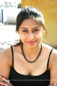 Kanika, Heroine of Lady Oriented film Sravya Photo Gallery