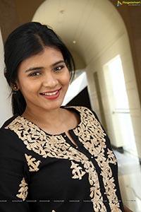 Hebah Patel High Resolution Photos