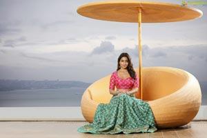 Shriya Saran Beach Photos