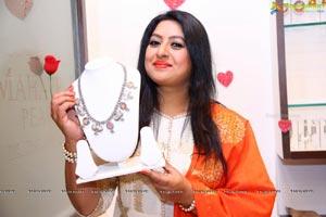 Sana at Mahaveer Pearls opening