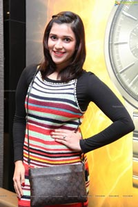 Mannara Chopra Photos