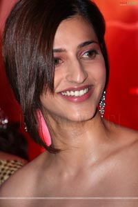 Shruthi Hasan Photo Gallery
