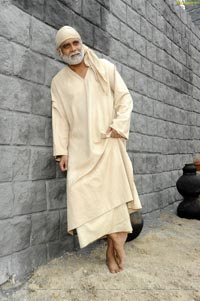 Nagarjuna in Manali for Shirdi Sai - High Definition Photos