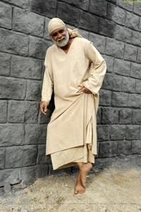 Nagarjuna in Manali for Shirdi Sai - High Definition Photos