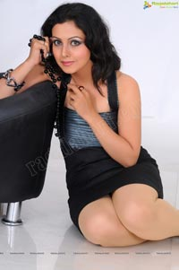 Neelam Gouhranii Studio Shoot