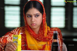 Beautiful Niti Taylor Poster Size Photos