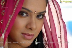 Premiste Heroine Sandhya Poster Size Photos
