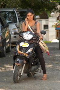 Hot Poorna Photos