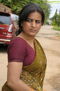 Pooja Gandhi goes Bold in Dandupalya Photos