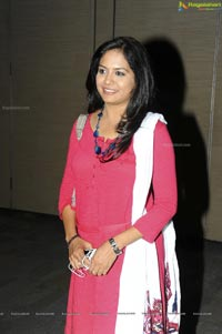Singer Sunitha in Pink Dress