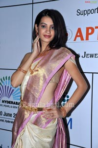 Diksha Photo Gallery at Hyderabad Jewellery, Gems, Pearl Fair Press Meet