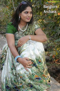 Bangalore Hot Model Archana in Saree