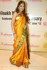 Beautiful Madhurima in Pattu Saree