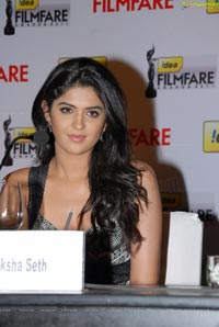 Beautiful Deeksha Seth in Black Sleeveless Frock
