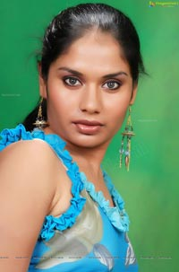 Model Lavanya in Saree