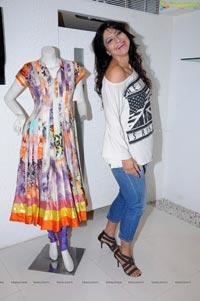 Aakruti Nagpal at Aarti Vijay Gupta Designer Collections