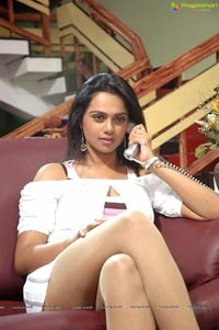 Abhinaya Sri Pandavulu Spicy Photos