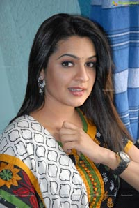 Aditi Agarwal in Chudidar - High Resolution Photos