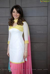 Milky White Indian Beauty Tamanna Photos
