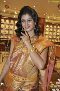 Photos of Hyderabad Model Shamili at CMR Ashadam Sravanam Sale 2012