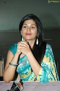 Shraddha Das @ Weaves Lifestyle Exhibition Launch