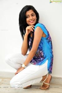 Arey Rey Heroine Aneesha