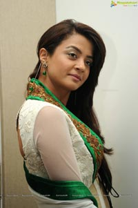 Heroine Surveen Chawla Photos
