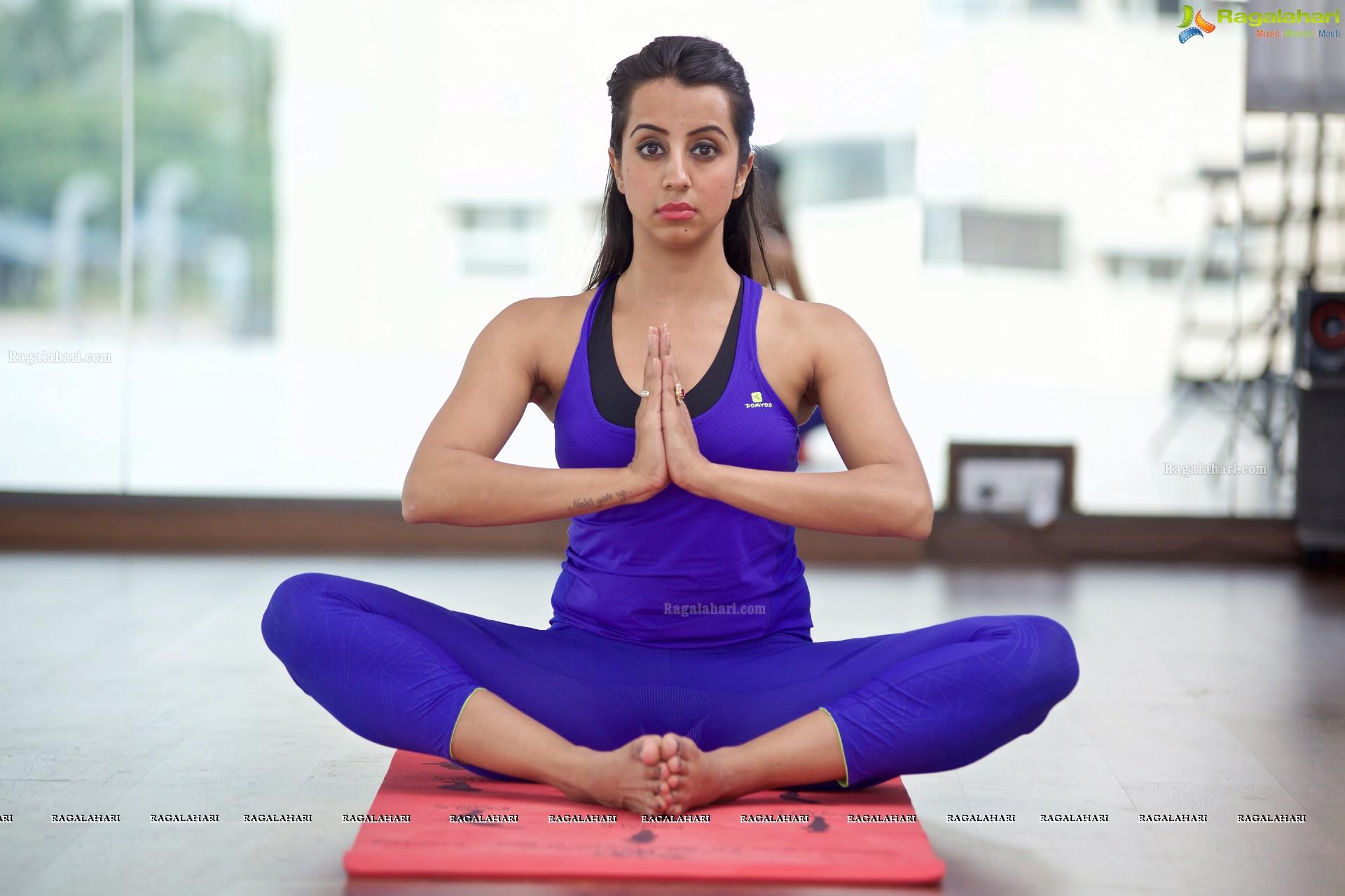 5 Yoga Teachers Who Overcame Addiction Share Stories