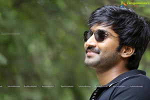 aadhi-pinisetty-marakatamani-interview