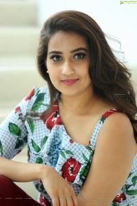 Manjusha Gemini TV Anchor