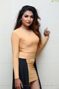 Mona Mirza