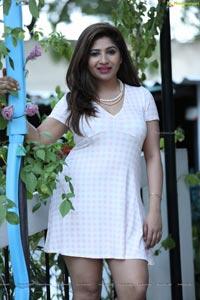 Telugu Actress Madhulagna Das